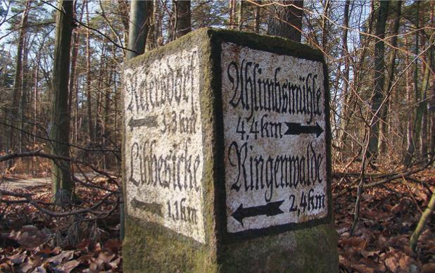 steinerner Wegweiser in Brandenburg